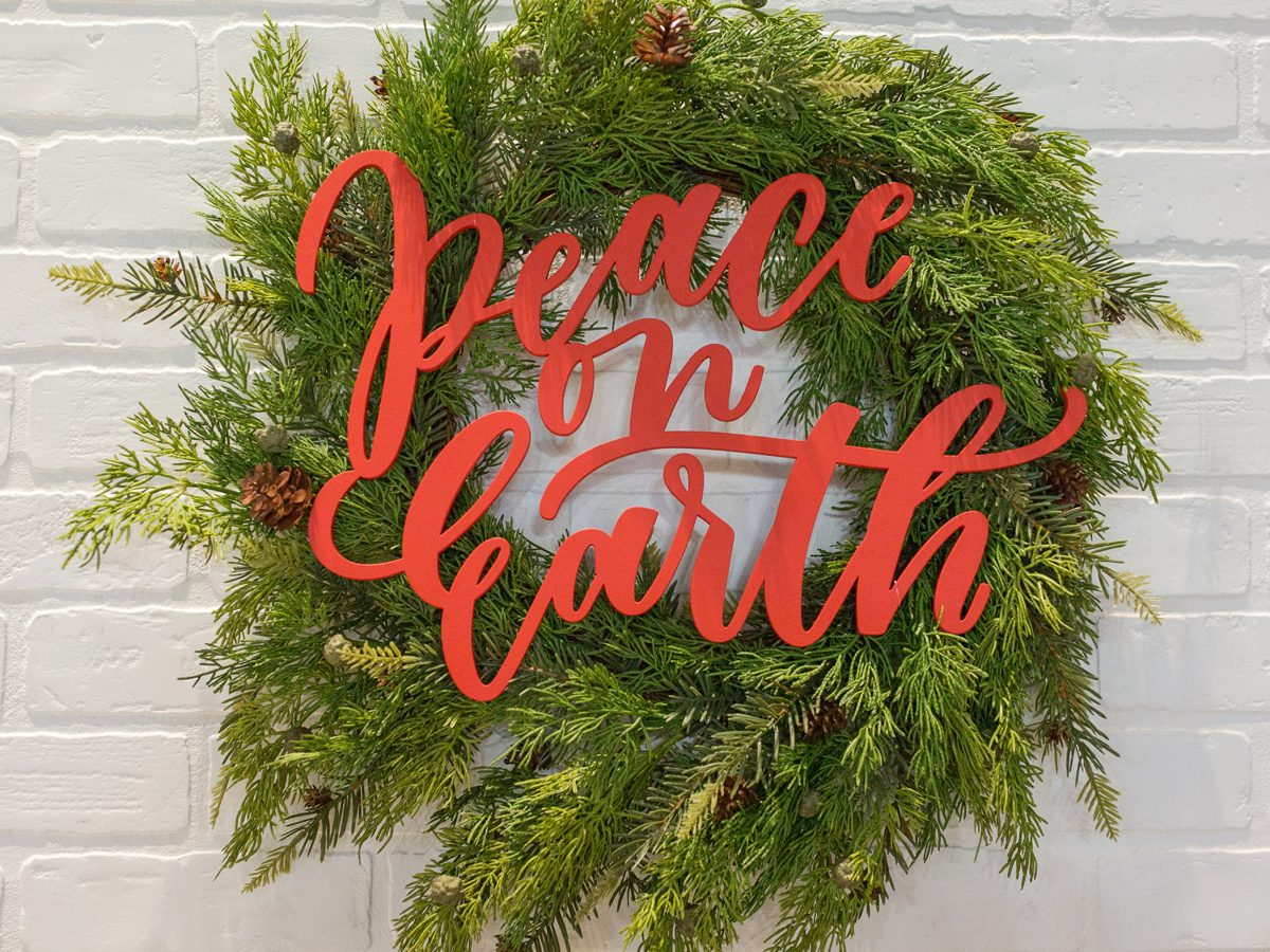 Peace on Earth Holiday Sign